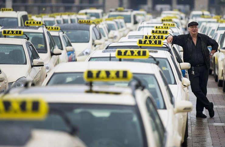 Nu vom fi niciodată de acord cu patronatele care se opun tehnologiei şi dreptului consumatorilor de a alege (Uber România)