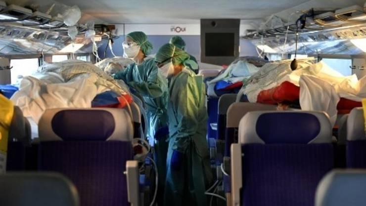 24 de bolnavi de coronavirus au plecat din Nancy, la bordul unui TGV, pentru spitale din vestul Frantei, 29 martie 2020