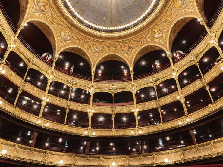Théâtre Musical du Châtelet, Paris.