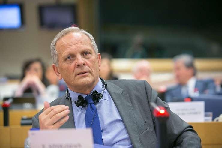 Europarlamentarul Theodor Stolojan