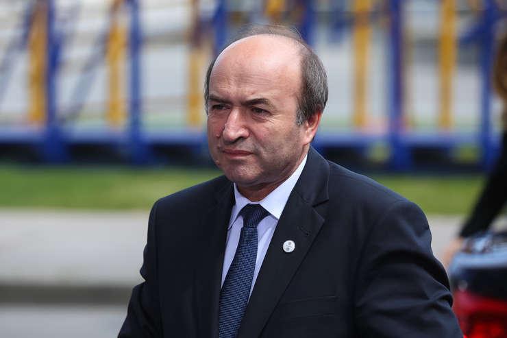 Tudorel Toader nu prea mai are susținerea Parlamentului pentru a fi ministru al justiției