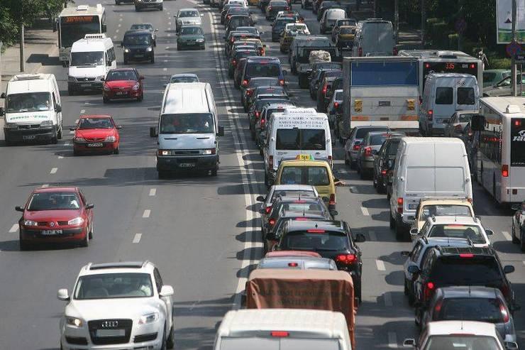 CNAIR a anunţat impunerea unor restricţii de circulaţie în zilele de vineri, sâmbătă şi duminică