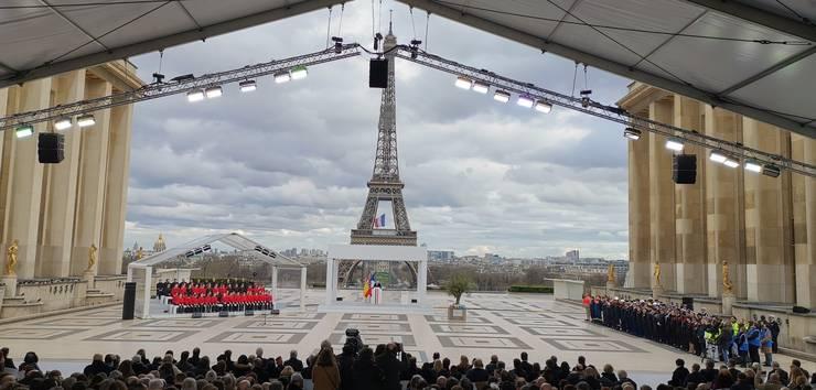 Emmanuel Macron, presedintele Frantei, rostind un discurs pe esplanada de la Trocadéro cu ocazia zilei nationale în memoria victimelor terorismului, 11 martie 2020