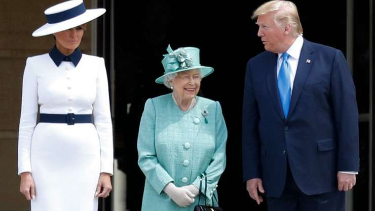 Donald Trump şi soţia sa Melania primiţi de Regina Elisabeta a II-a