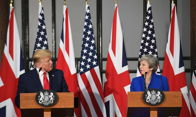 Theresa May cu Donald Trumo la conferința de presă comună