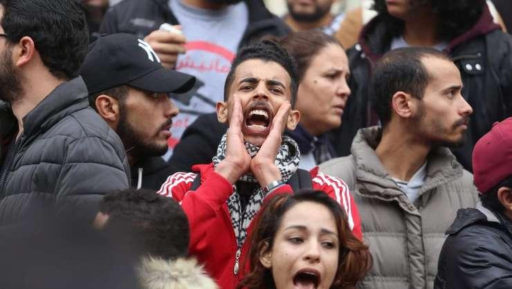 Student care manifesteazà la Tunis pe 9 ianuarie 2018