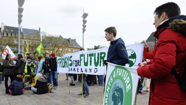 Un Mars mondial pentru justitie ecologica si sociala a fost organizat la Metz, înaintea deschiderii reuniunii G7, sâmbata 4 mai.