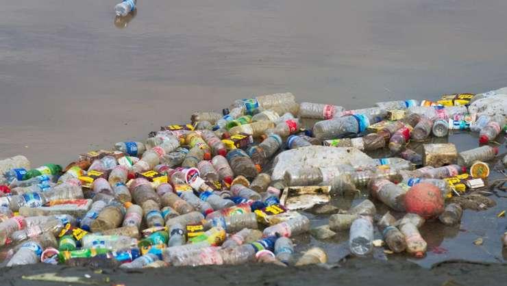 Un ong britanic a numarat pana la 671 de bucati de plastic pe mp care se afla pe plajele Insulei Henderson din Oceanul Pacific