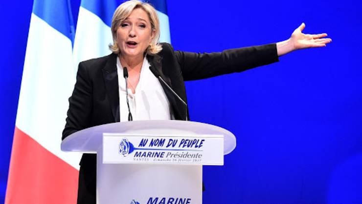 Marine Le Pen în cursul unui miting la Nantes, 26 februarie 2017.