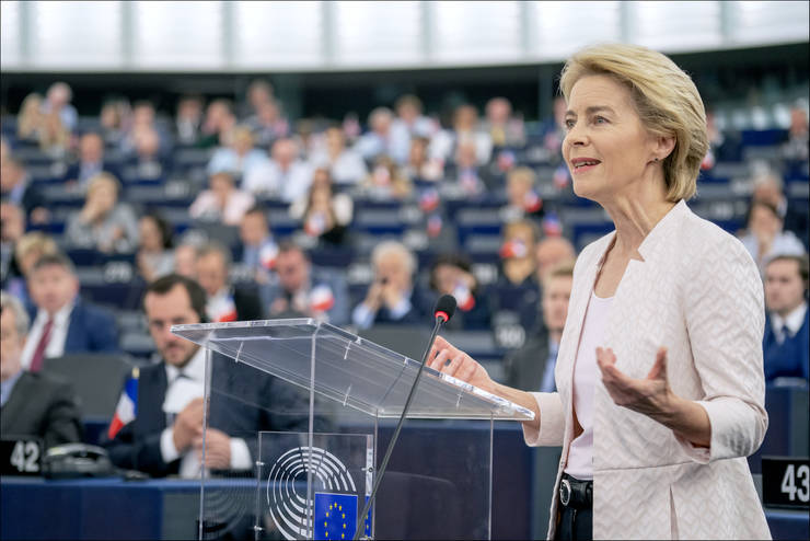 Cu o larga majoritate, noua Comisie Europeană a fost învestita de Parlament