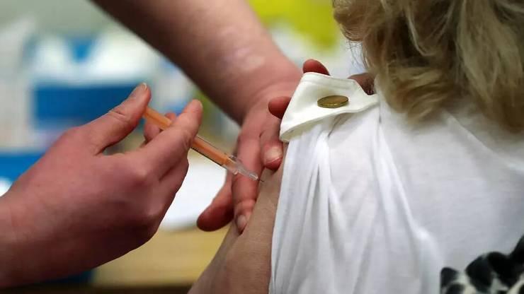 Vaccinarea se va extinde, în Franta, la cei de peste 55 de ani.
