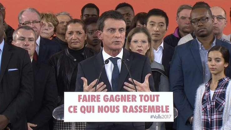 Manuel Valls în fieful sàu de la Evry pe 5 decembrie 2016 anuntându-si candidatura la presedintia Frantei