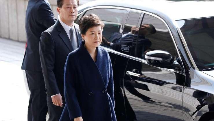 Fosta preşedintă sud-coreeană, condamnată la ani grei de închisoare (Foto: Reuters/Kim Hong-Ji)