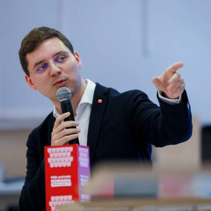 Victor Negrescu critică PNRR: Draftul planului este incoerent (Sursa foto: Facebook/Victor Negrescu)