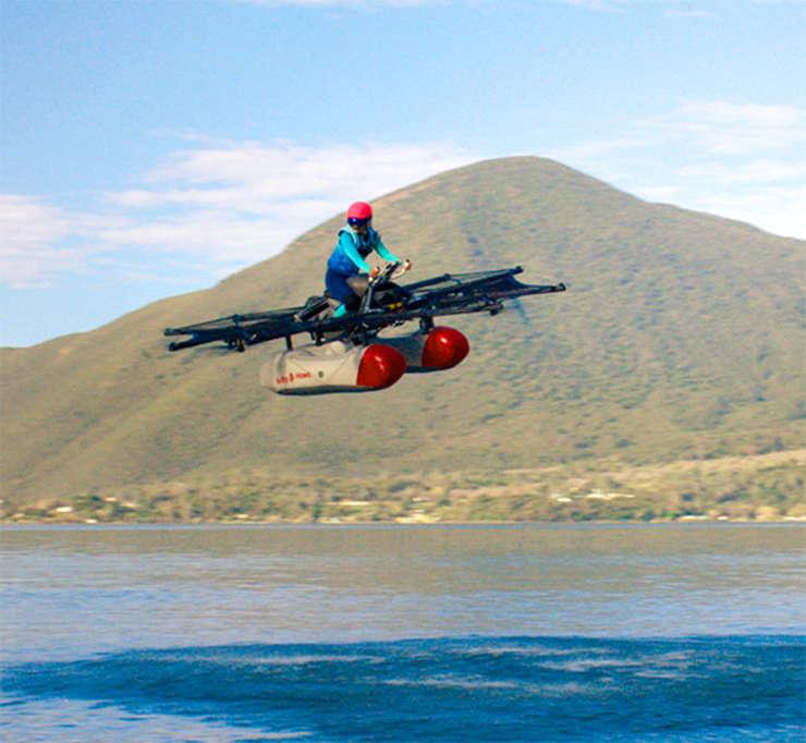 Motocicleta zburătoare, la un pas de realitate (Sursa foto: site Kitty Hawk)