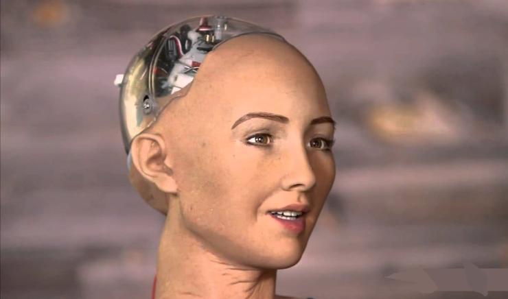 Sophia, robotul cu cetăţenie saudită