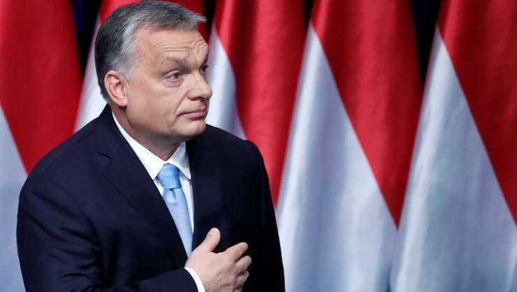 Premierul maghiar Viktor Orban în fata parlamentului de la Budapesta, 10 februarie 2019