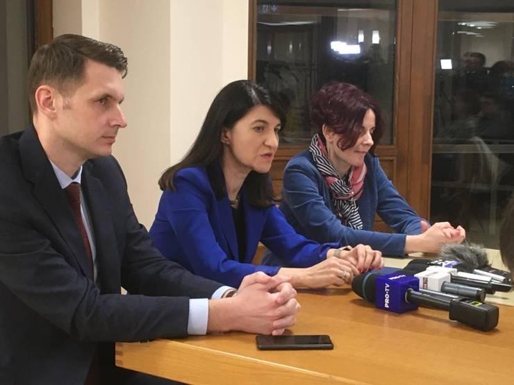 Ministrul Muncii, Violeta Alexandru, dorește să reorganizeze echipele de funcționari ai Casei Naționale de Pensii care se ocupă de calcularea pensiilor internaționale.