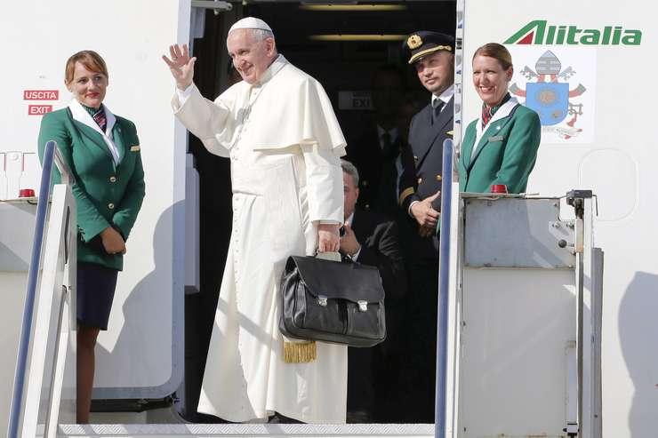 Papa Francisc, aici pe aeroportul Fiumicino din Roma (Foto: Reuters/Giampiero Sposito)