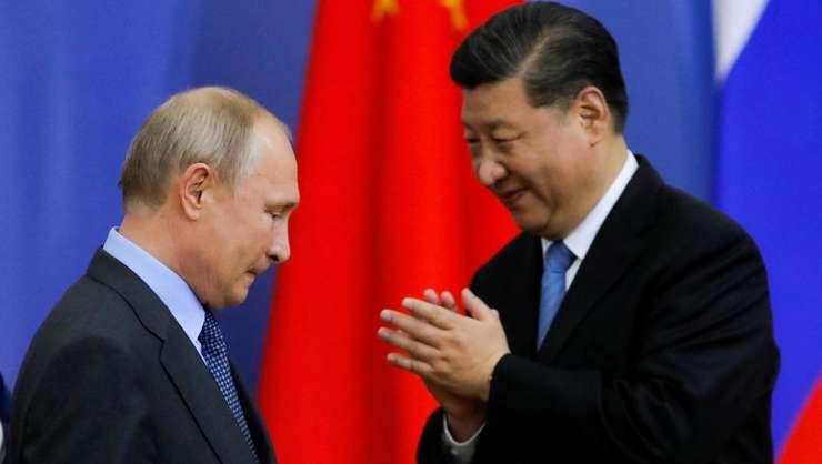 Vladimir Putin si Xi Jinping la Forumul Economic de la Sankt Petersburg , 6 iunie 2019.