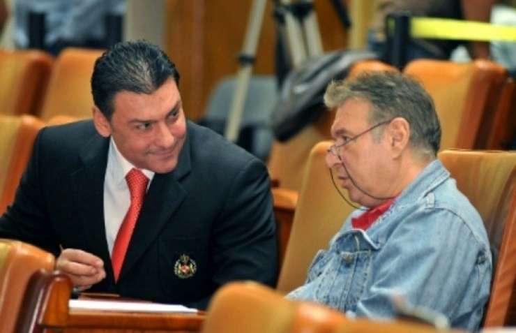 Madalin Voicu, salvat de colegii deputati. Nicolae Paun, decizie amanata.