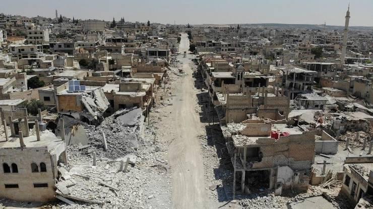 Localitatea Khan Cheikhoun din regiunea Idleb, în august 2019, în urma unor bombardamente siriene.