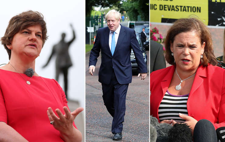 Arlene Foster (stânga), Boris Johnson, Mary Lou McDonald