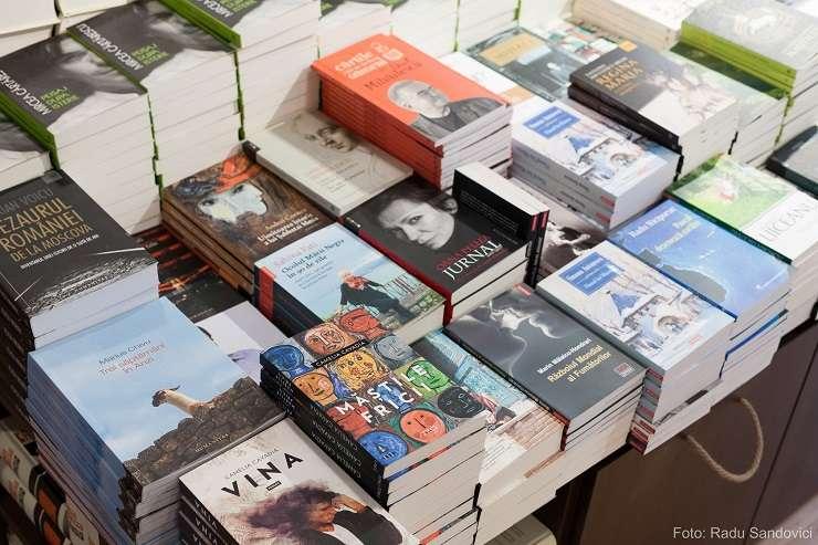 Cărți cu autograf la Librăria Humanitas Magheru