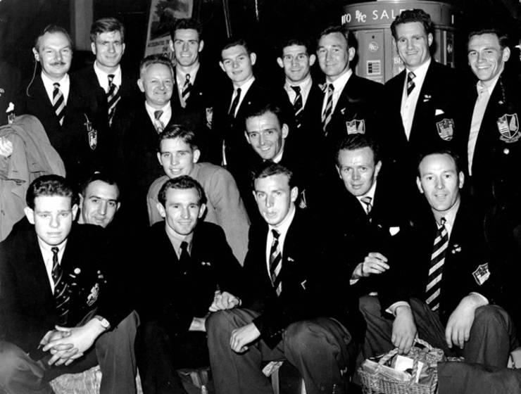 Carwyn James cu Swansea 1954