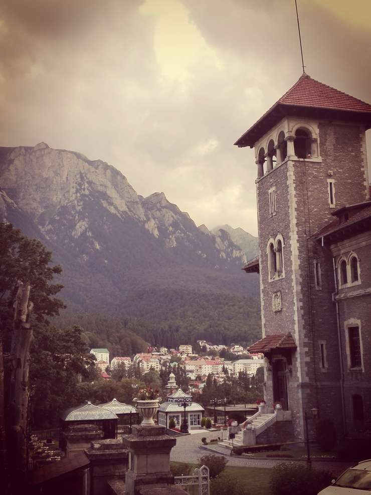 Castelul Cantacuzino din Buşteni (Foto: RFI/Cosmin Ruscior)