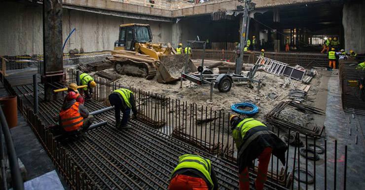 Constructori in site, la metrou