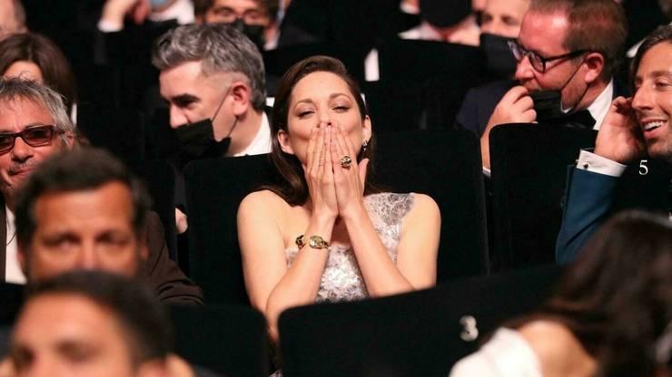 Actrita francezà Marion Cotillard în timpul ceremoniei de deschidere a celei de-a 74-a editii a Festivalului de film de la Cannes.