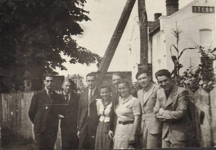 Emil Bercovici, al doilea din stânga