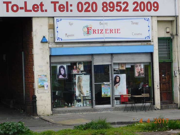 Frizerie românească în nordul Londrei