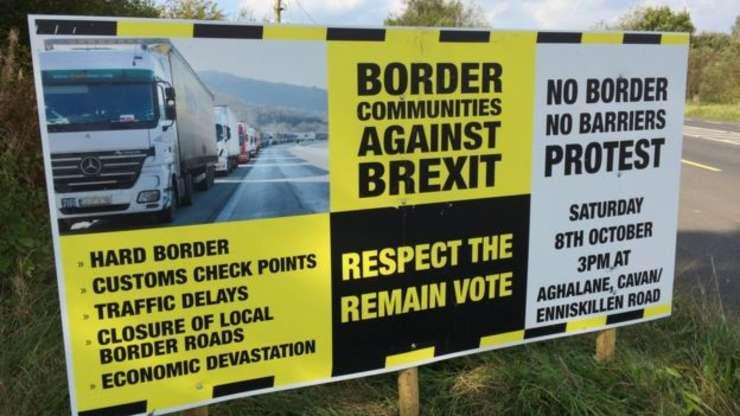 Afiș de protest la frontiera Irlanda de Nord - Republica Irlanda