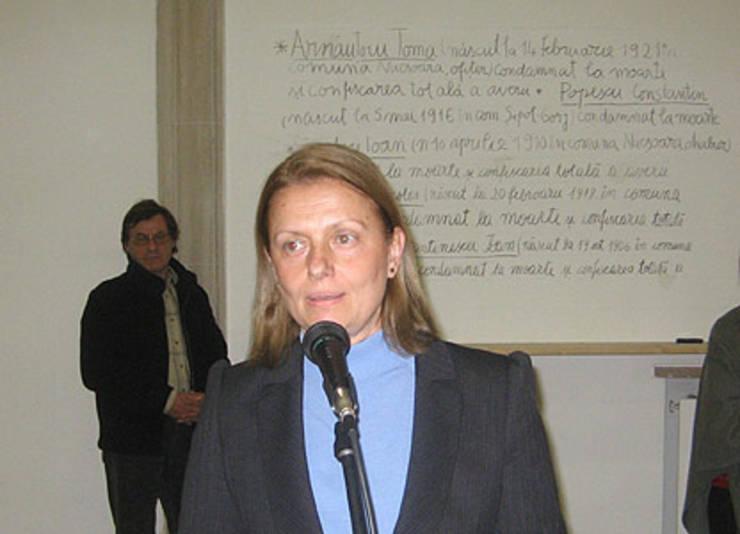 Ioana Voicu-Arnăuțoiu