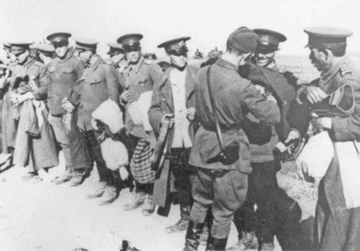 Jandarmi români dezarmați de sovietici în Basarabia, iunie 1940