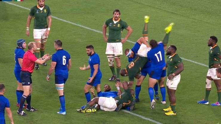 Placaj suliță în meciul Africa de Sud - Italia