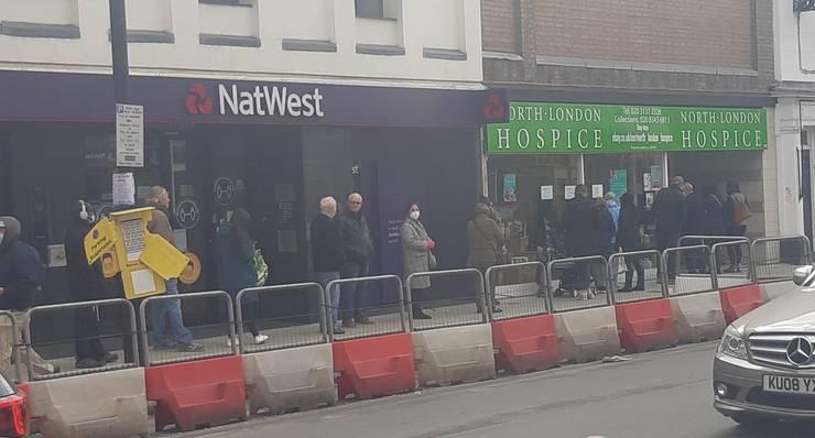 Magazin de caritate în nordul Londrei