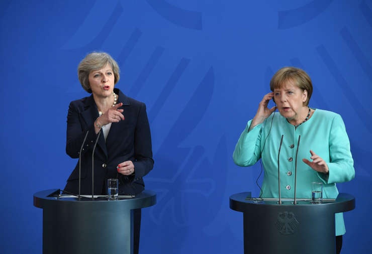Theresa May și Angela Merkel