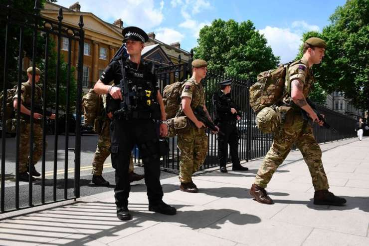Militari și polițiști britanici la Londra