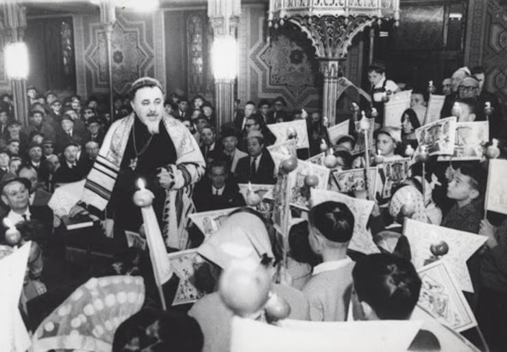 Rabinul Moses Rosen la Templul Coral din București în 1969