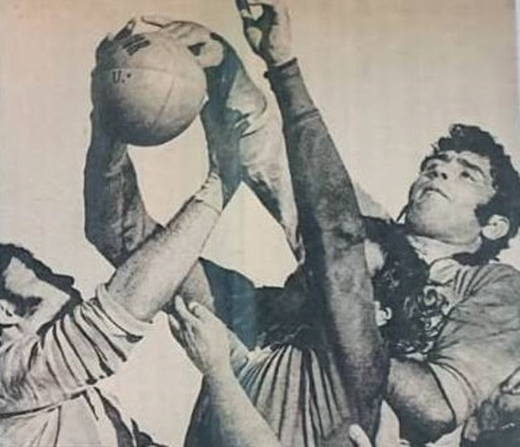 Mușat și Pop în luptă pentru balon cu înaintașii neo-zeelandezi