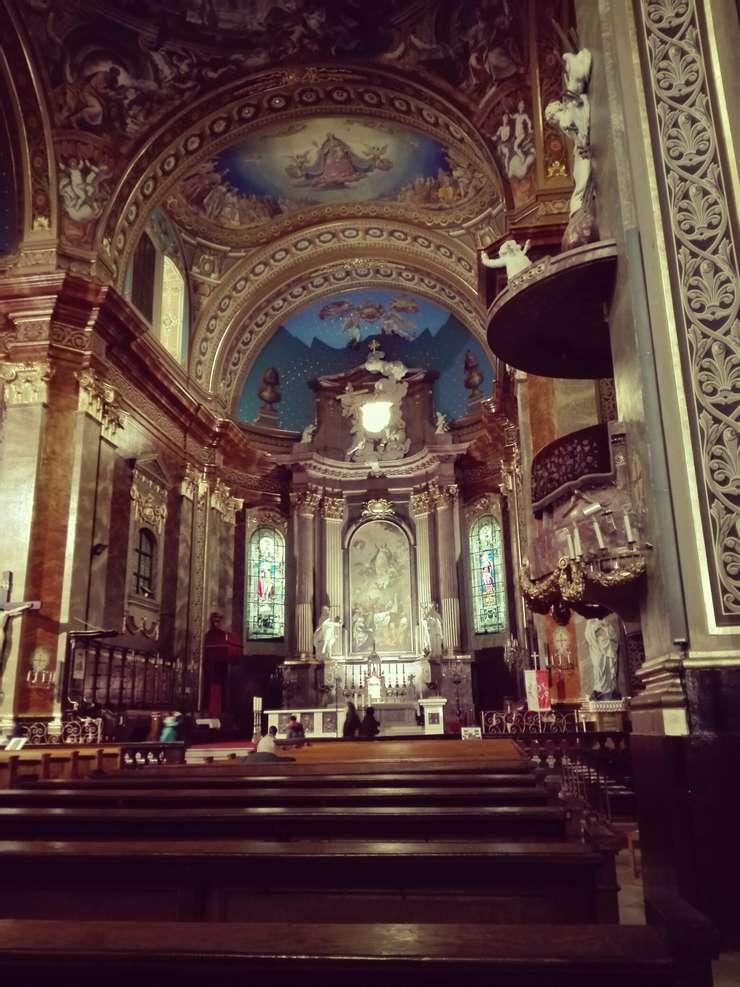 Bazilica Romano-Catolică din Oradea (Foto: RFI/Cosmin Ruscior)