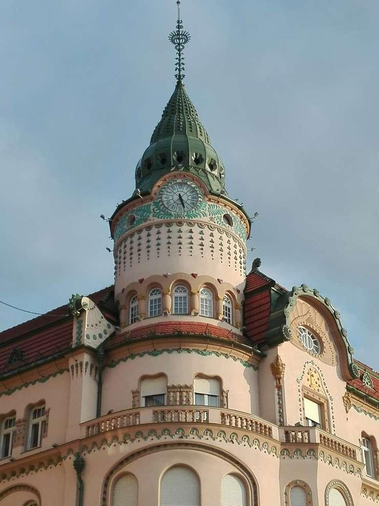 Palatul Vulturul Negru din Oradea (Foto: RFI/Cosmin Ruscior)