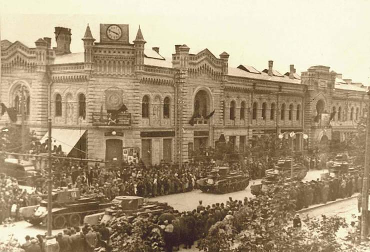 Parada militară sovietică la Chișinău