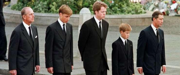 Prințul Phillip, Prințul William, Contele Spencer, Prințul Harry și Prințul Charles