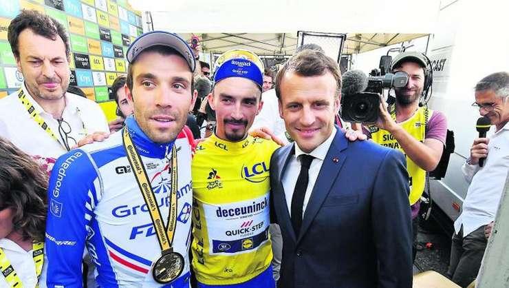 Thibaut Pinot, Julien Alaphilippe și Emmanuel Macron