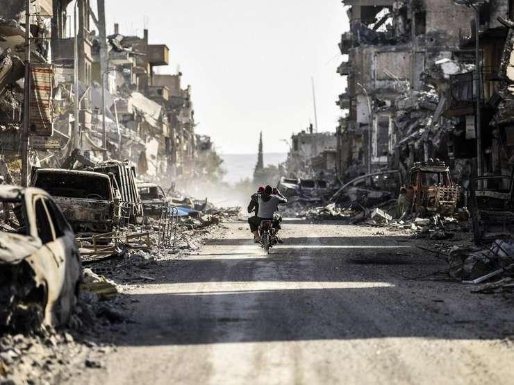 Ruine în Rakka, fosta capitală a Organizației Stat Islamic