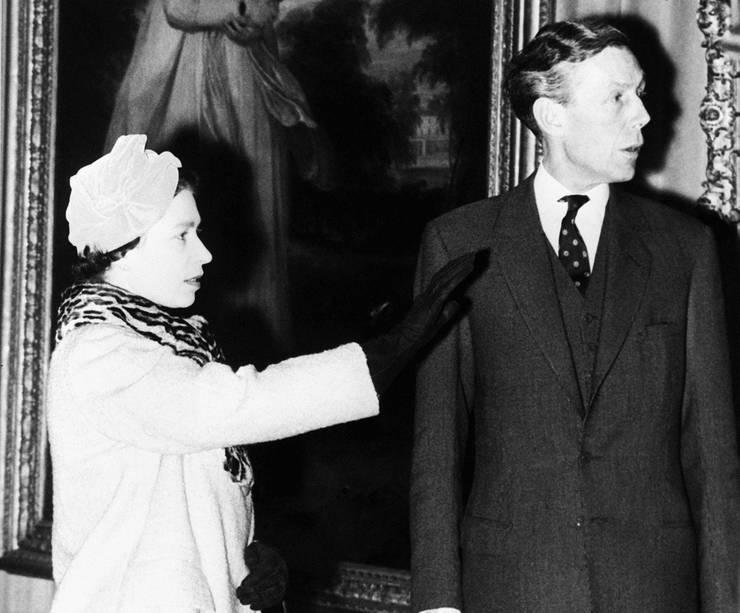 Regina Elisabeta a II-a și Anthony Blunt